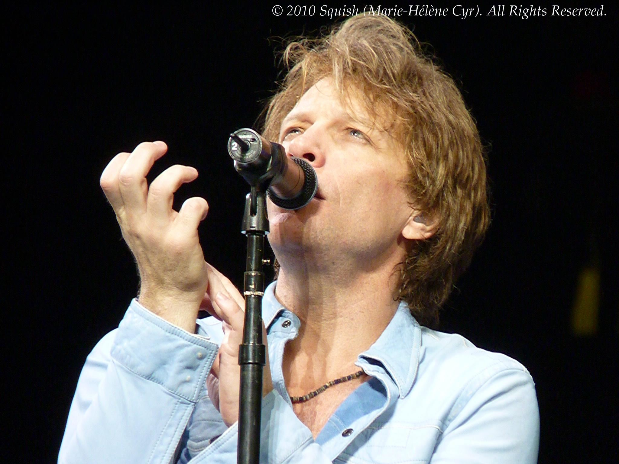 Bon Jovi - Bell Centre, Quebec, Canada (March 19, 2010)